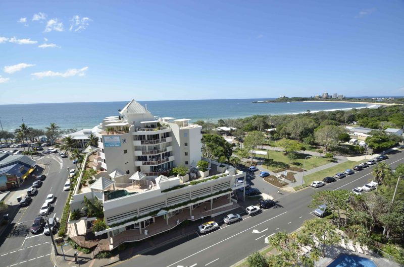 200 metres to the beach and Mooloolaba Surf Club, walking distance to Al Fresco dining