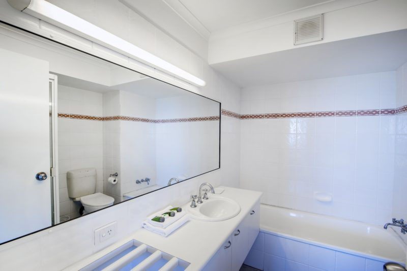 Main Bathroom with Bath & Shower over Bath