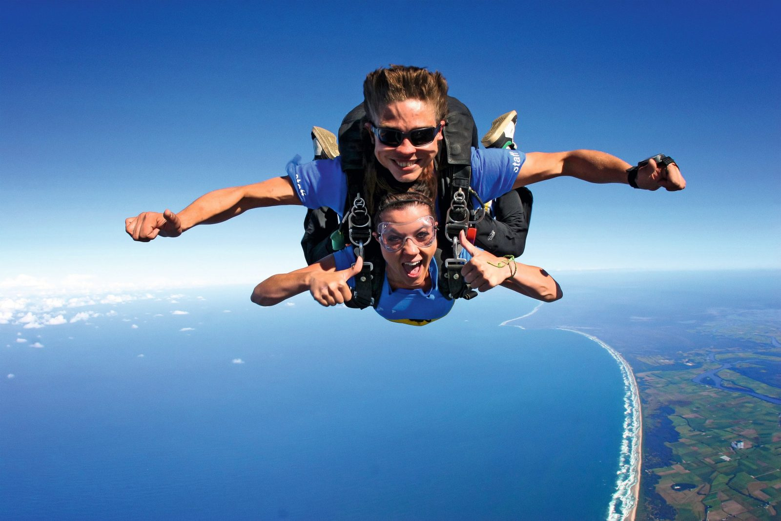 Skydive over the Great Barrier Reef with Skydive Airlie Beach