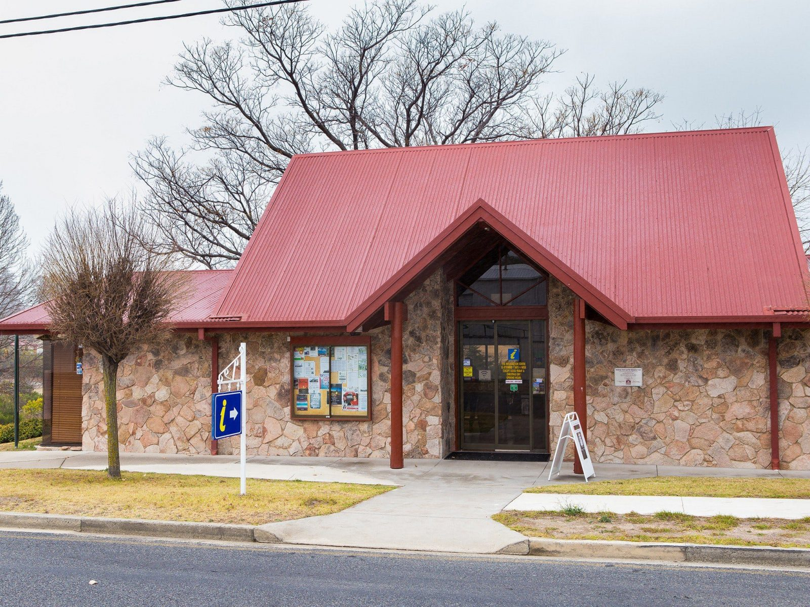 External photo of the Stanthorpe Visitor Info Centre