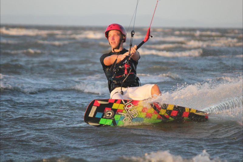 Kitesurfing with Surf Connect