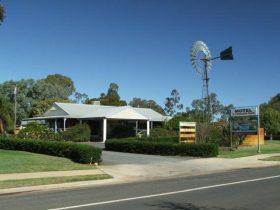 Tambo Mill Motel and Caravan Park