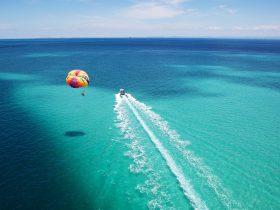 Parasailing - Tangalooma Island Resort