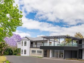 Exterior photo of The Glasshouse & Bergin Lounge at Clouds Montville