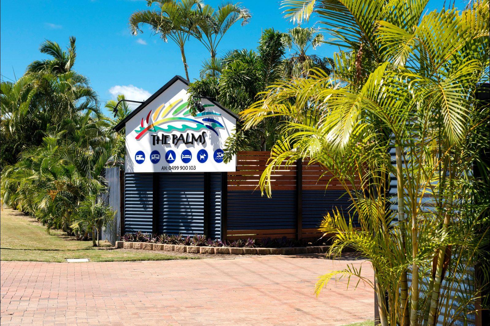 Front entry to The Palms Caravan Park