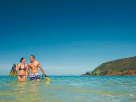 couple keswick snorkelling