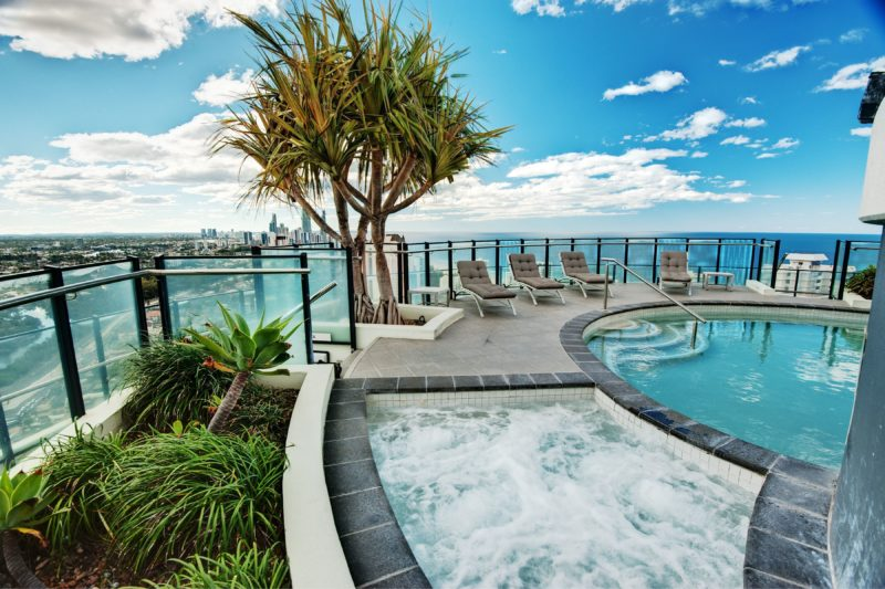 Rooftop Pool & Spa