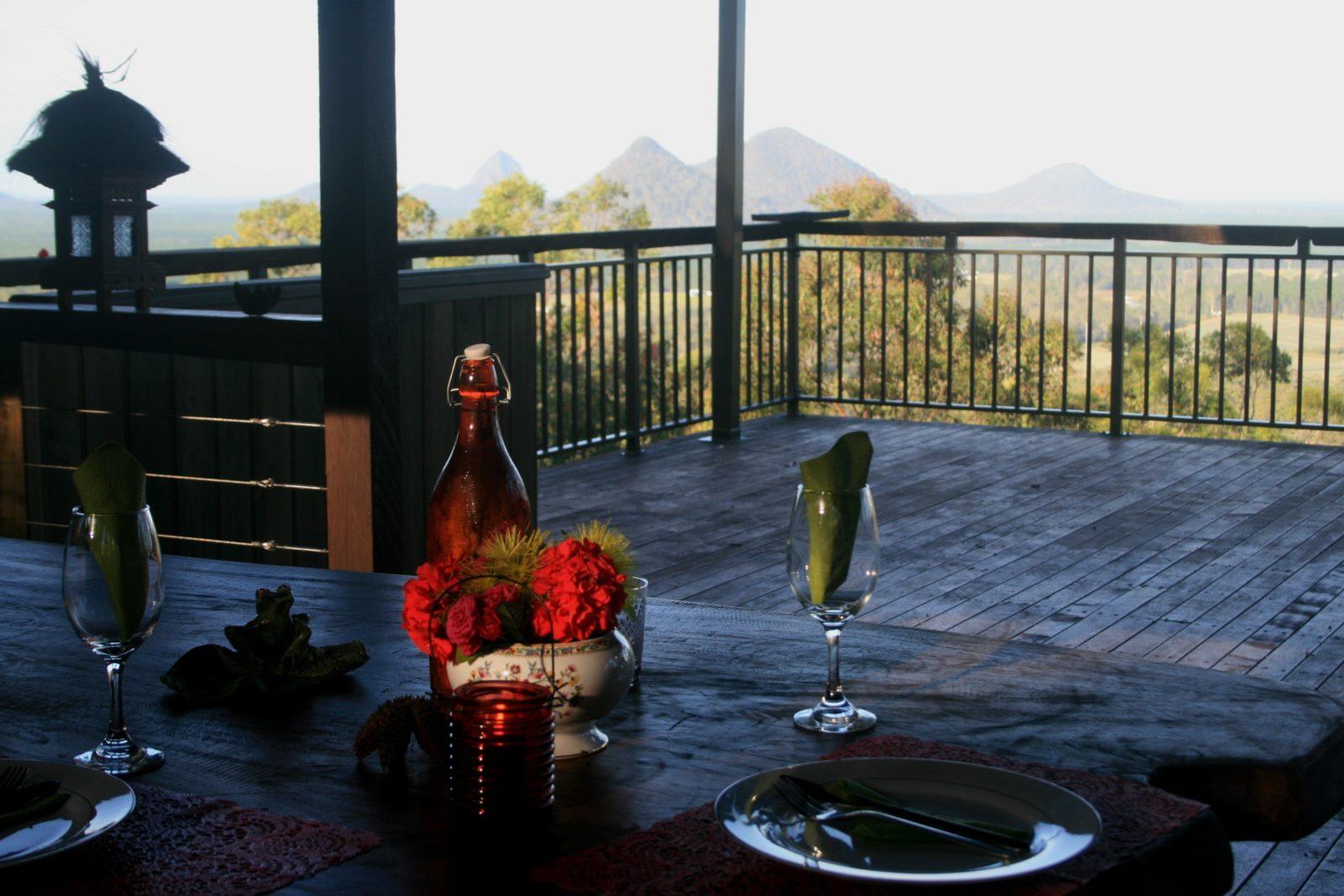 Alfresco dining on Gulloo cabin deck