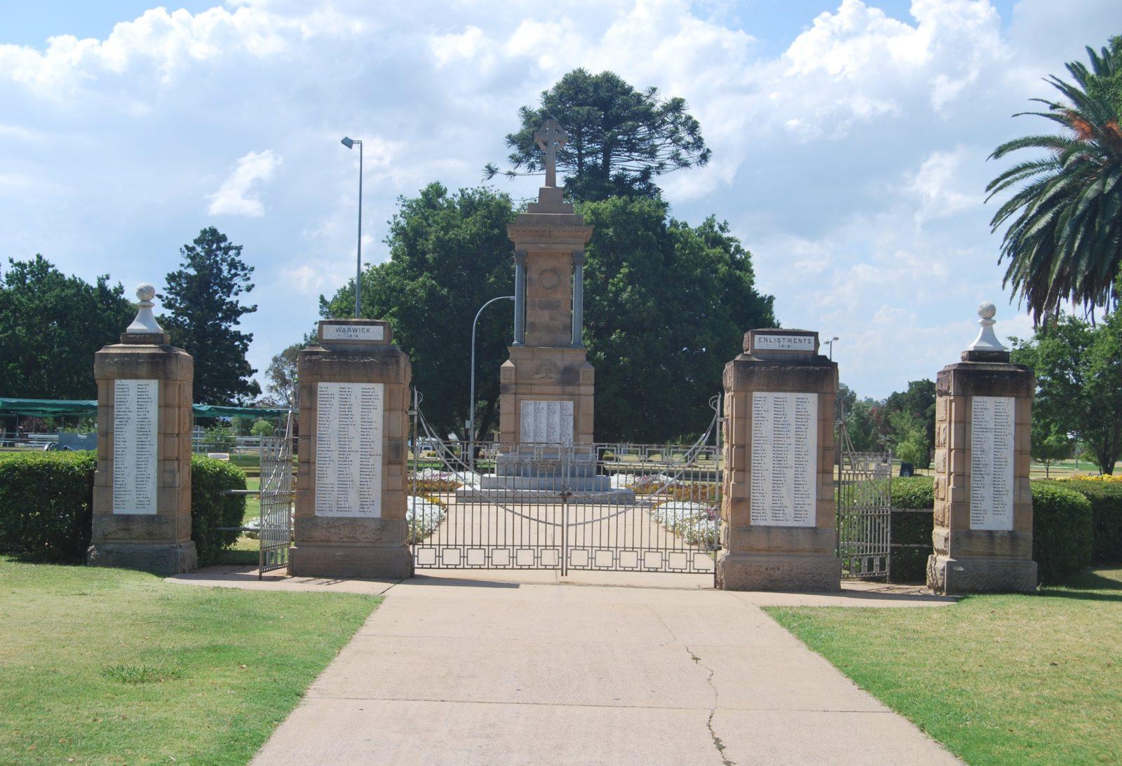 Warwick War Memorial and Gates