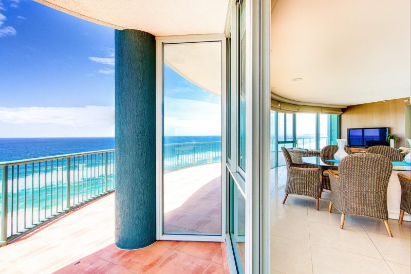 Waterford on Main Beach - Lounge and Balcony showing ocean views