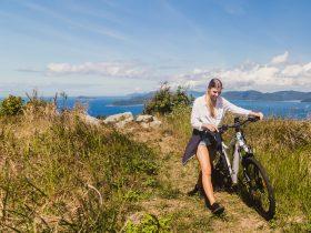 E-mountain biking whitsunday islands, island mountain bike trail, island mountain biking