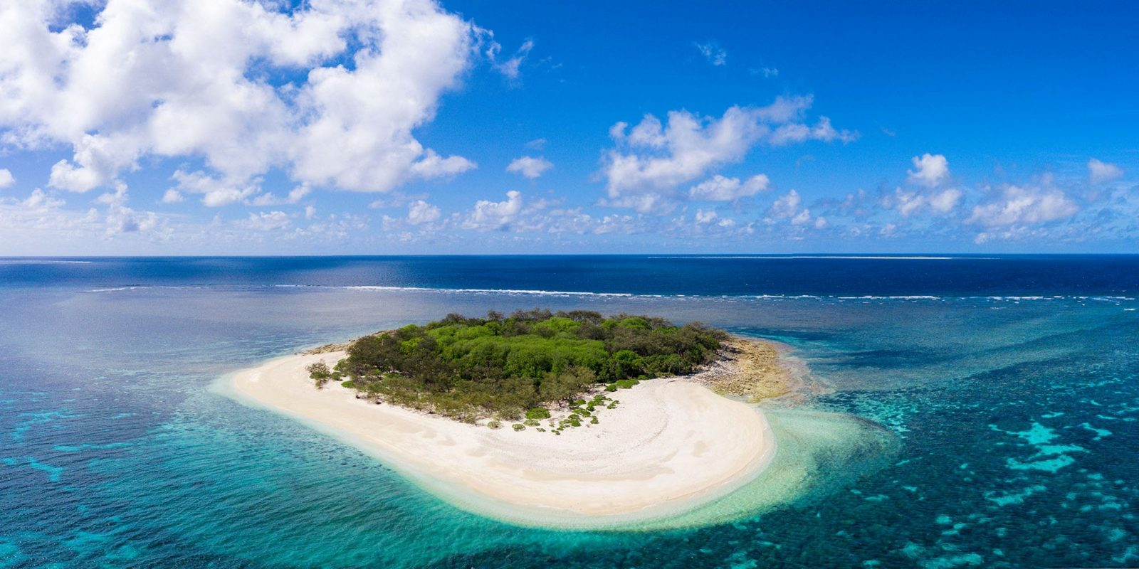 Enjoy a one-of-a-kind Great Barrier Reef getaway in a setting of unrivalled natural beauty