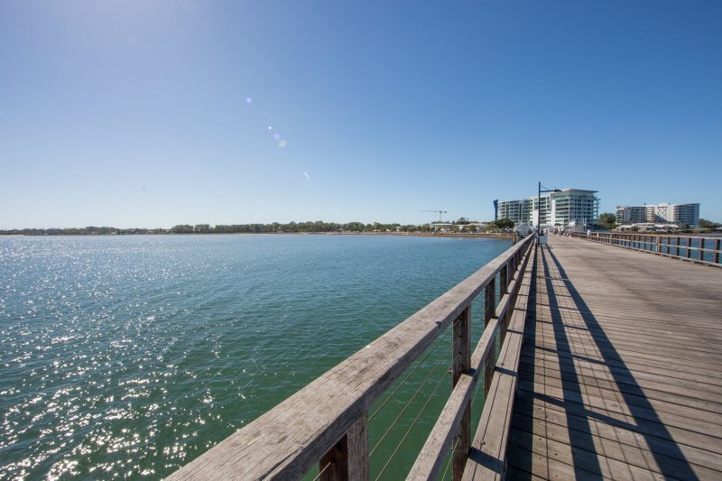 Woody_Point_Jetty_Looking_back_at_shore_redcliffe_visit_moreton_bay_region