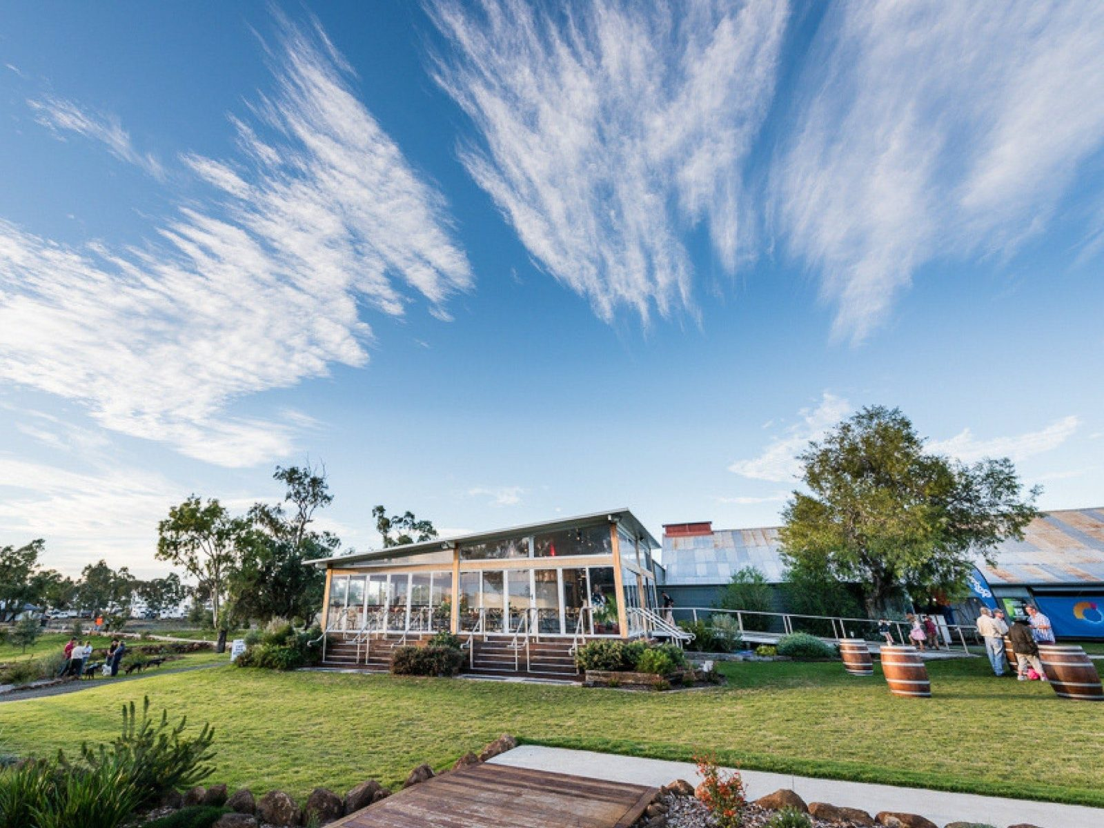 The Woolshed Cafe and Green