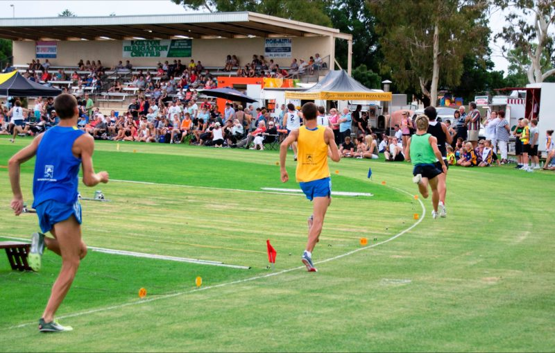 racers in Nippy's Loxton Gift