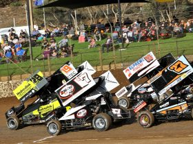 Sprintcars on track going through their paces.