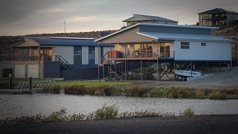 Set in the marina Mannum Waters, waterfront holiday home