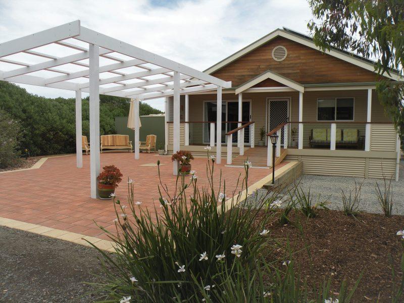 bungalow 1