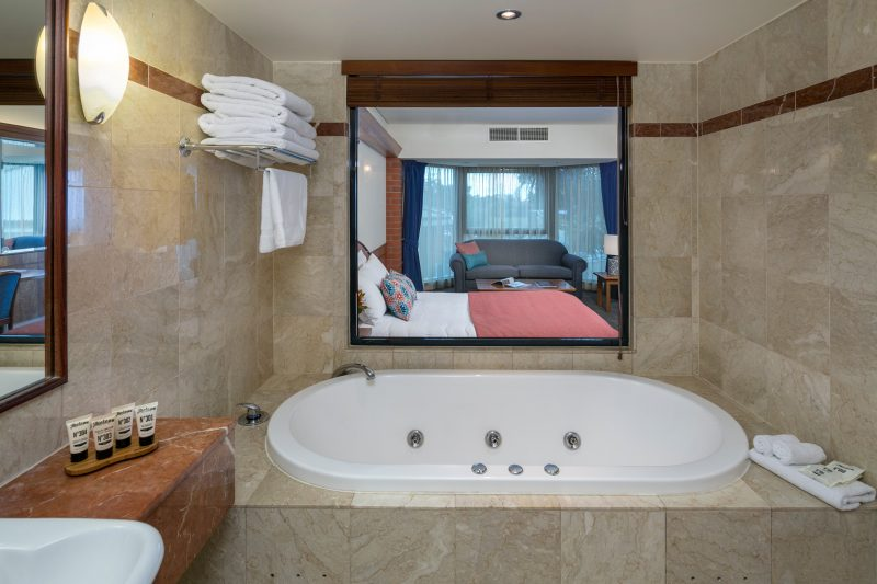 Deluxe Spa Room with spa bath