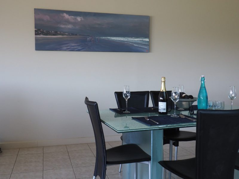 Dining Area with views and sea ambience, in easy acces to the modern kitchen.