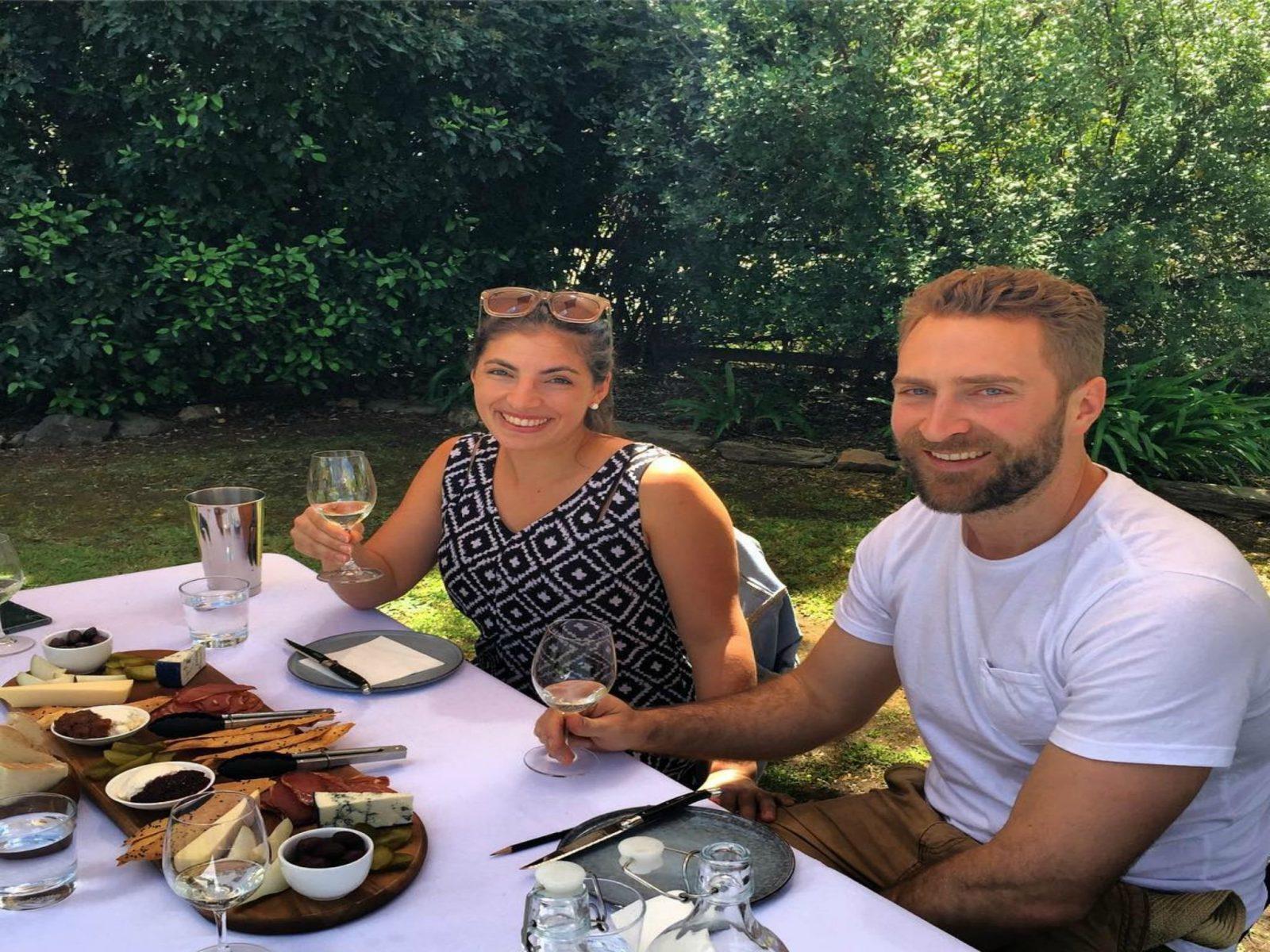 Food & wine pairing experience in garden