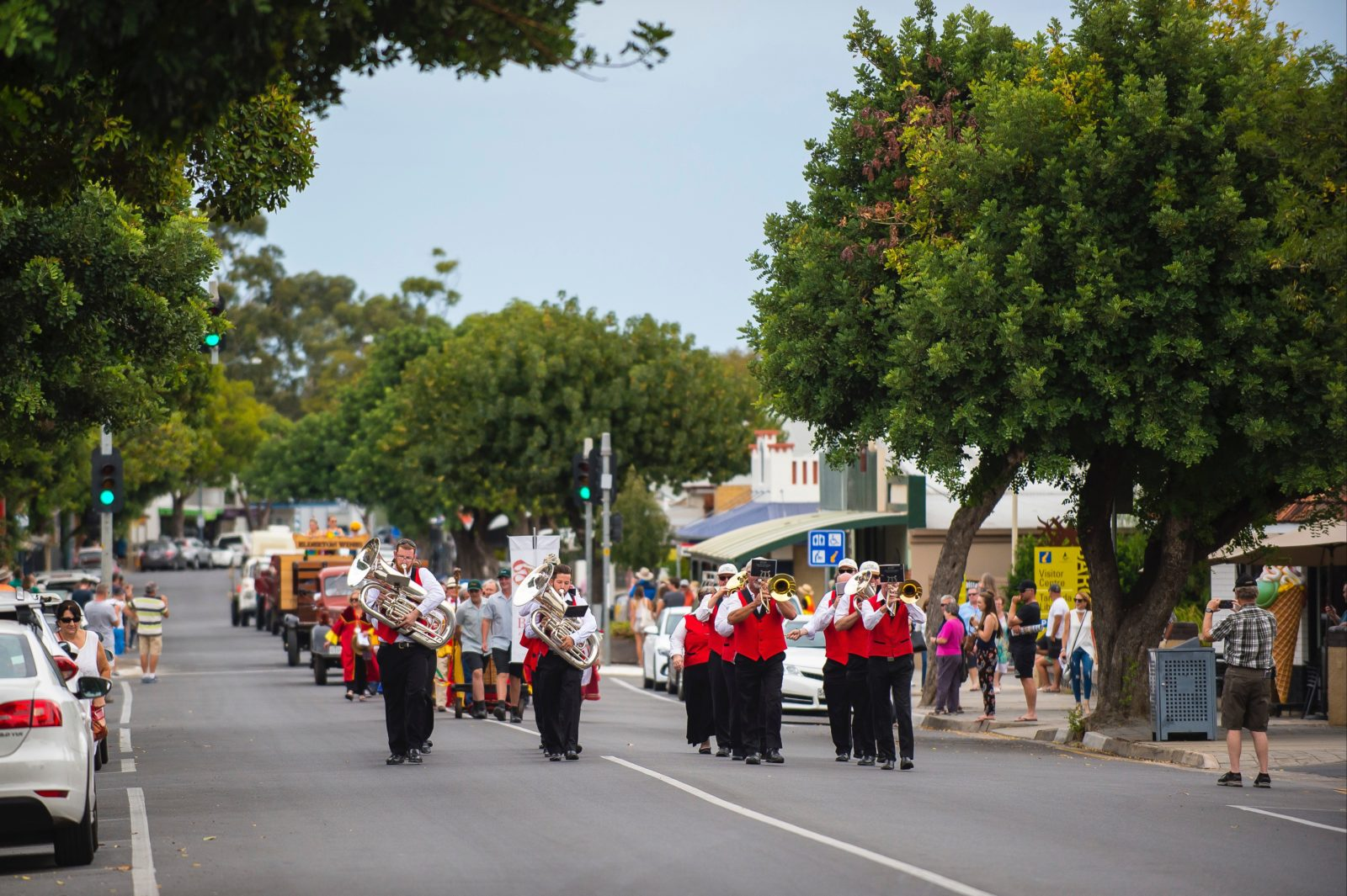 Tanunda Town Band leads Vintage Parade