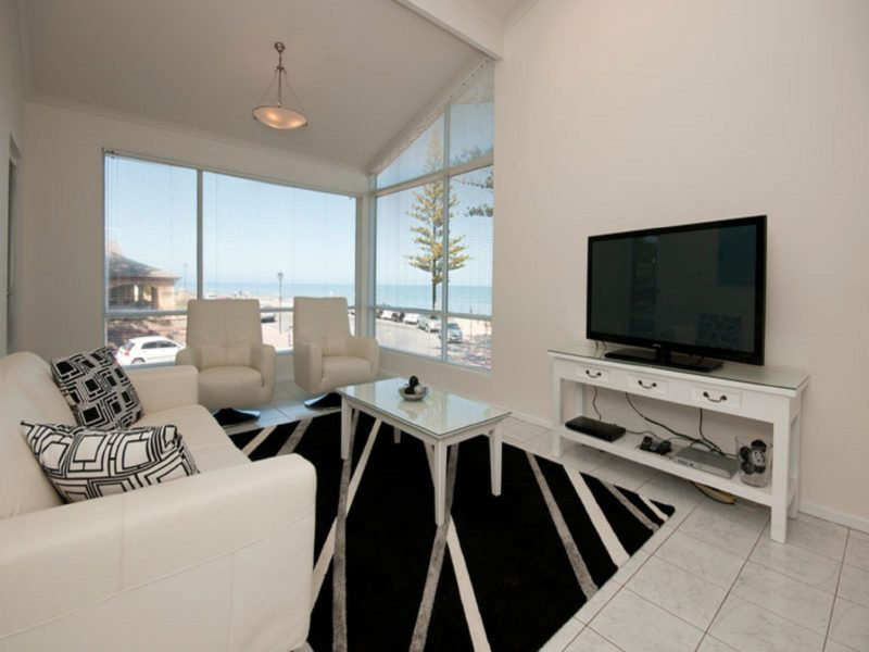 Relax whilst watching TV enjoying the views of the sea