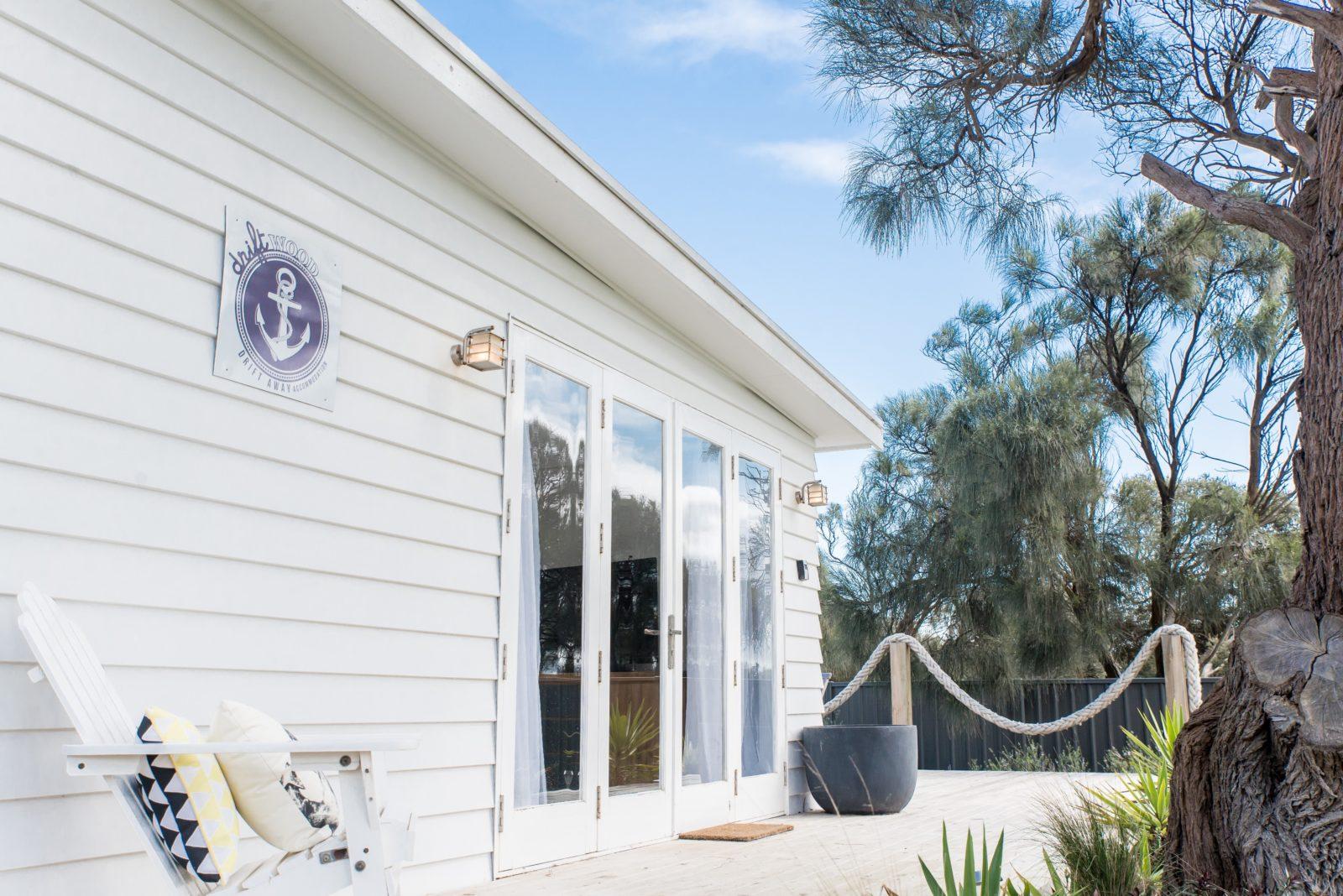 DA Cottage Entry