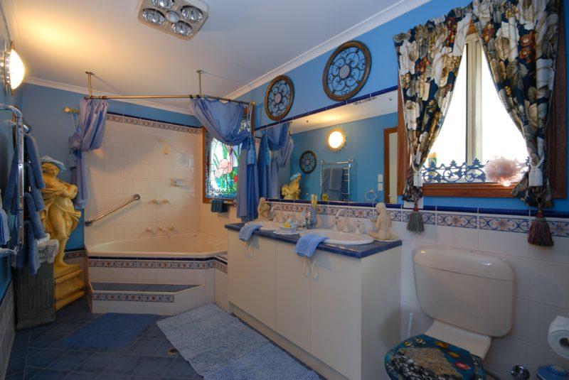 Bathroom Cottage One