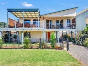 Century 21 SouthCoast: Green Reef Beach House