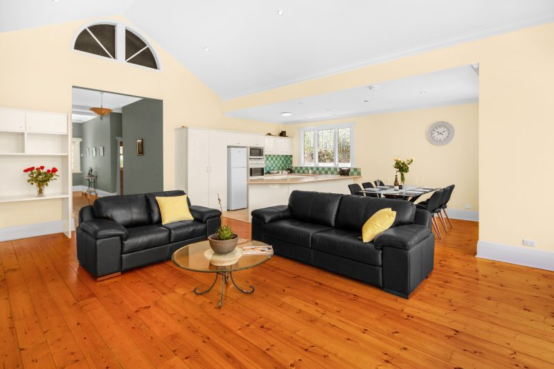 Enjoy family and friends company in this spacious loungeroom with TV