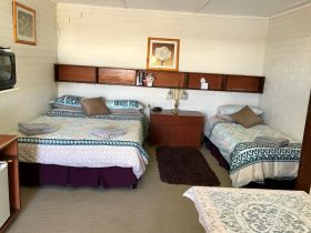 Motel Room - Queen bed plus single