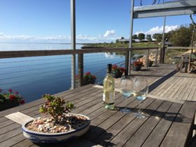 180 degree view of Streaky Bay from doi's deck.