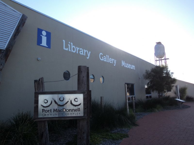 Port MacDonnell Community Complex open 7 days for visitor info, library, museum, gallery & council