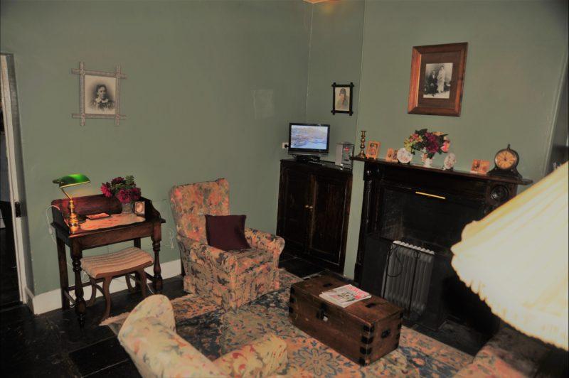 Emma Tiver cottage lounge