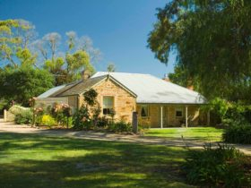 Willunga, Evelyn Homestead