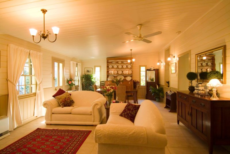 Evelyn Homestead spacious lounge and dininge area
