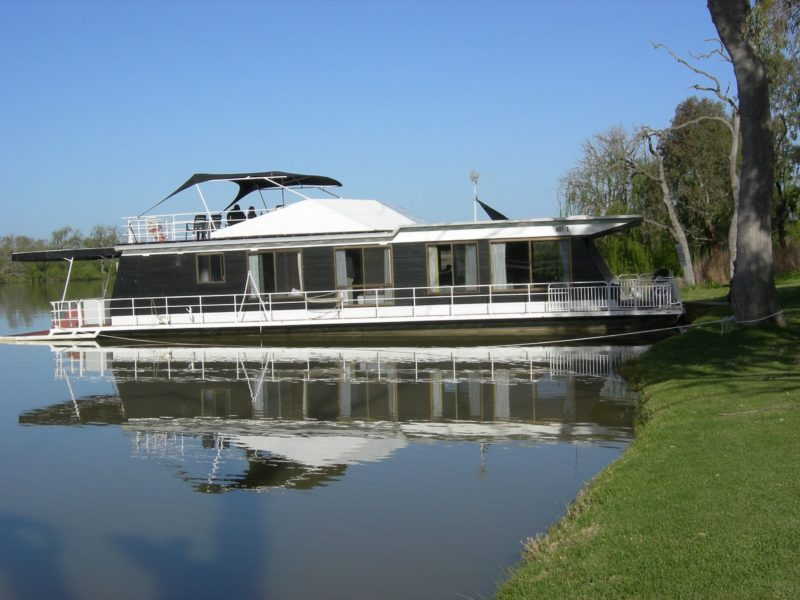 Galaxy Houseboat