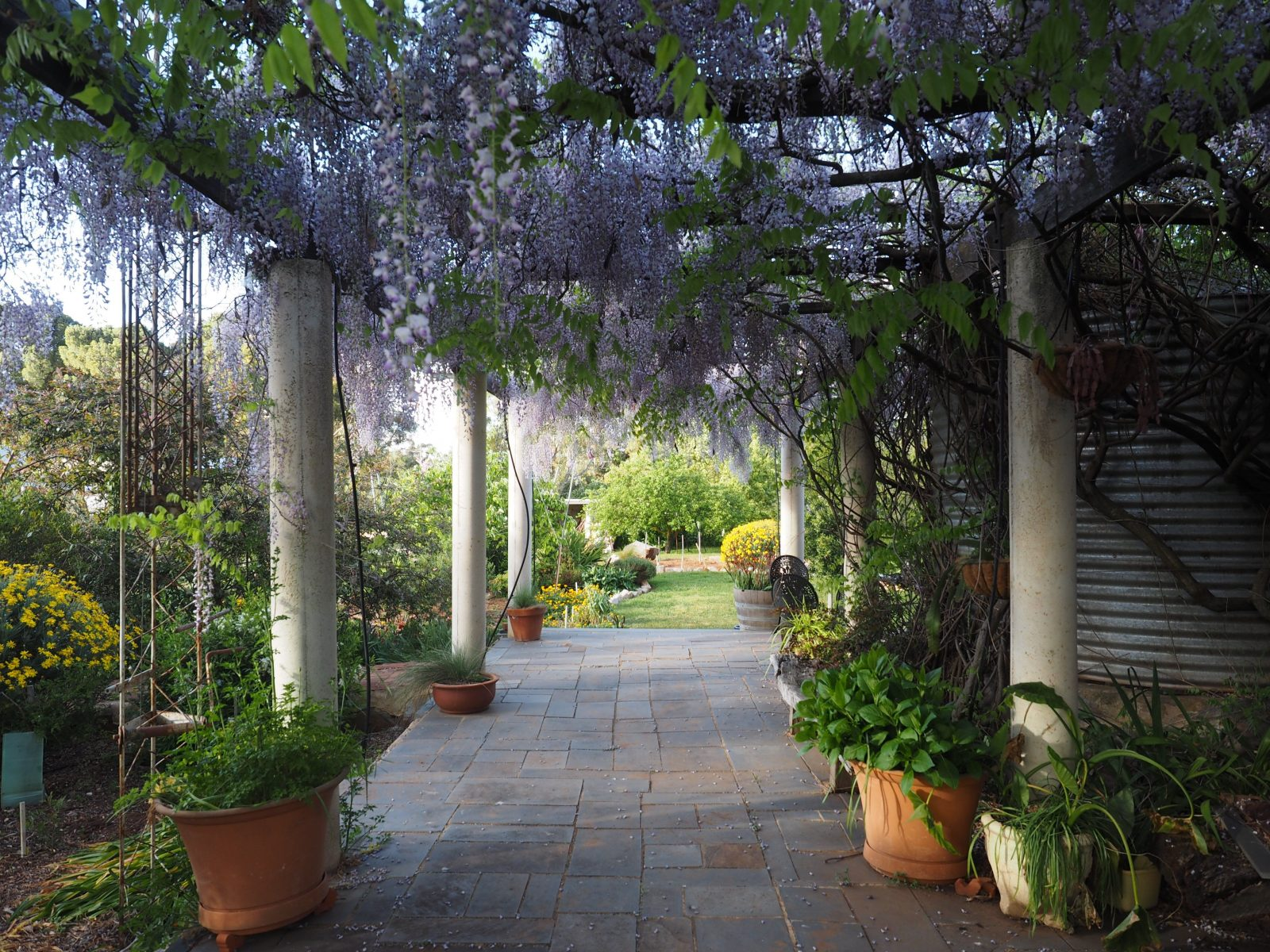 Beautiful gardens support both formal and informal events.