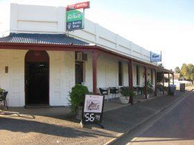 Gilbert Valley Hotel