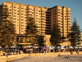 Glenelg Sunset Markets