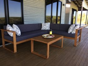 Front Deck Lounge