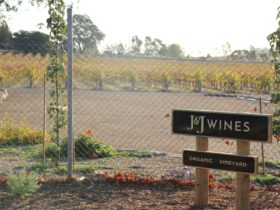 Entry Sign J&J Wines