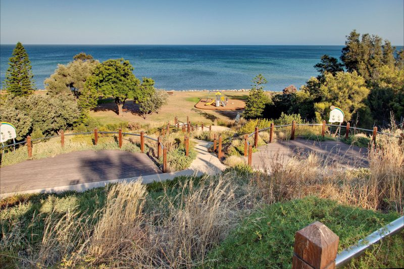 Kingston Park Coastal Reserve and Lookout