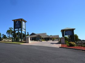 Lakes Resort Entrance