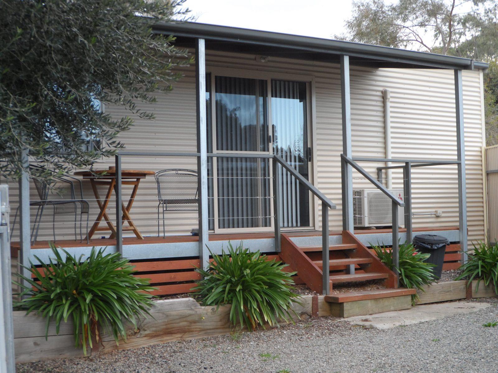 Cabin 8 - Leasingham Village Cabins