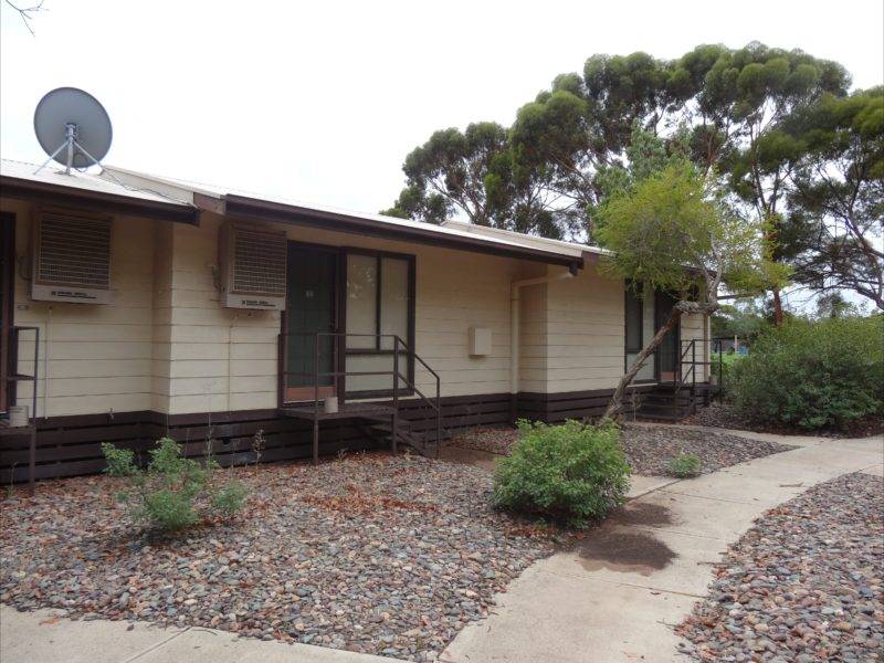 Leigh Creek Outback Resort - Cabin Room