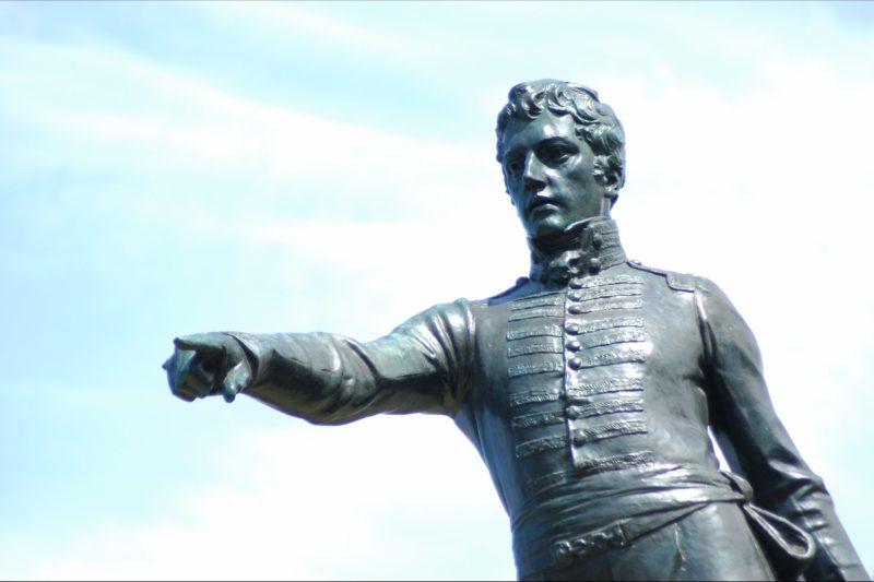 statue, Colonel William Light, bronze, city views, photo opportunity