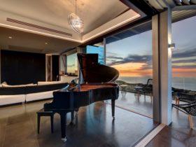 Luxe Haus - Top Floor