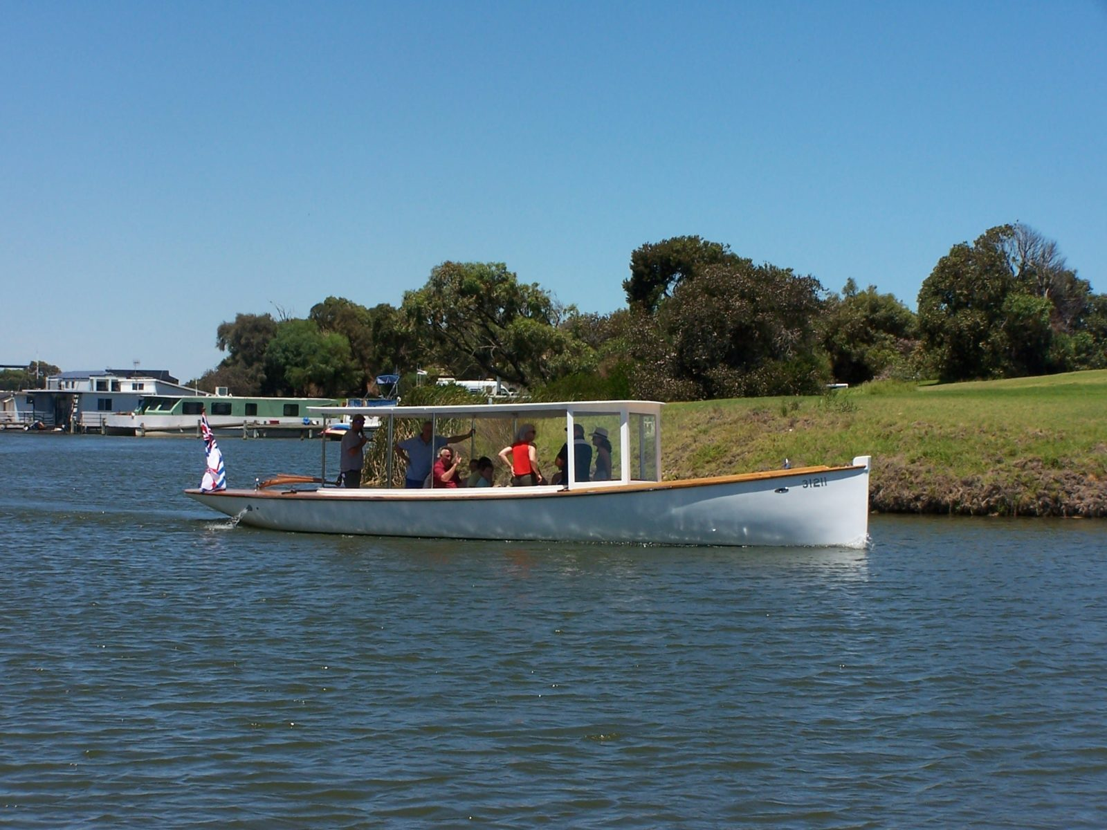 onboard maranui hear quality commentry from our expert staff cruising through the goolwa waterway